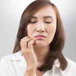 矯正治療中の歯ぎしりや食いしばりの原因と対策